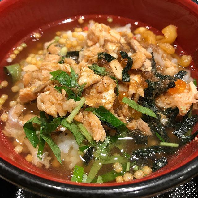 お寿司屋さんのお茶漬け朝ごはん美味しかった (Instagram)
