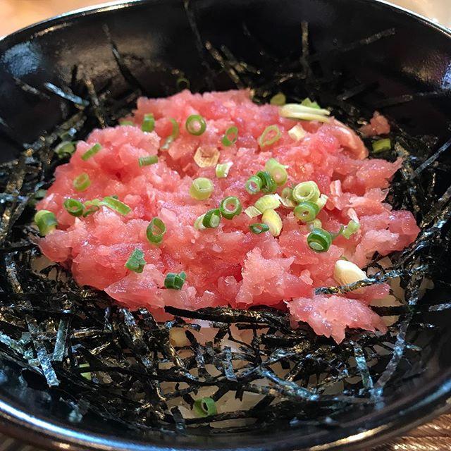 胃カメラダメージから復活。1日ぶりのご飯はマグロ丼 (Instagram)