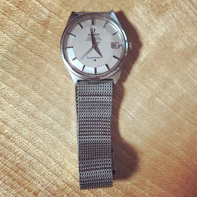 祖父の形見の時計は止まることなく動いています。。 (Instagram)