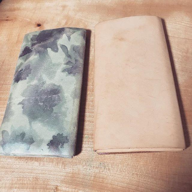 寒い季節になったので、お財布をチェンジして気分転換。明日は出張! (Instagram)