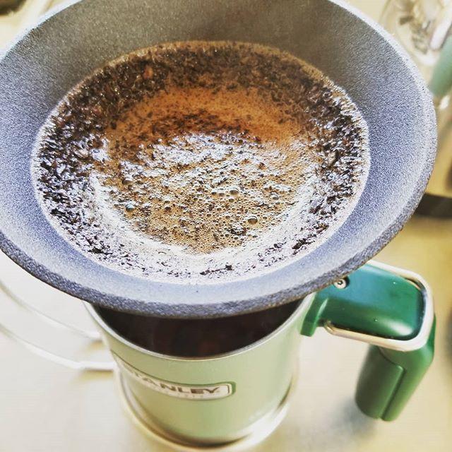 今年も美味しいコーヒー飲みつつのんびりとスタート (Instagram)